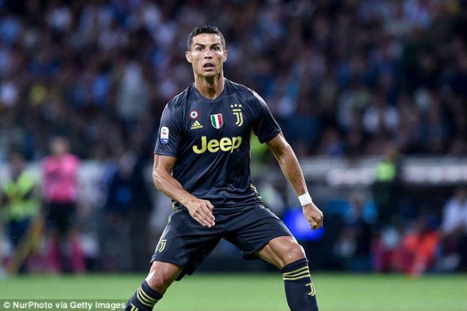 Ronaldo phá kỷ lục 300% lương Serie A, vẫn hậm hực kém Messi & Neymar