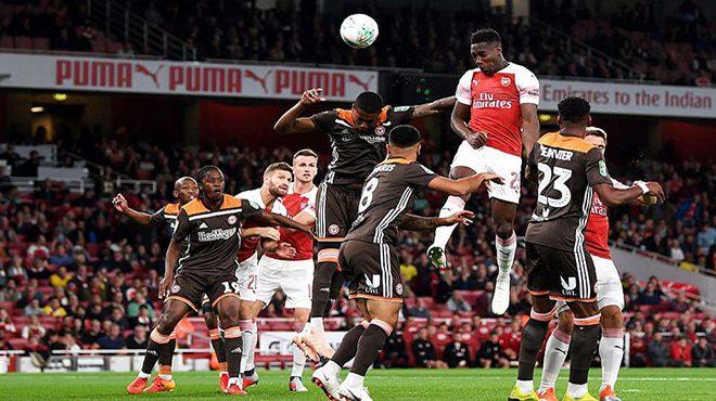 """""""Thánh lốp"""" lập cú đúp, Arsenal dễ dàng đè bẹp tí hon Brentford ở Emirates"""