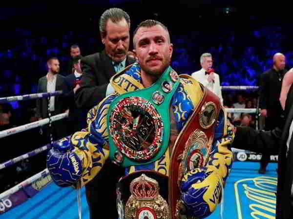 Lomachenko lần thứ 4 bảo vệ thành công đai WBA