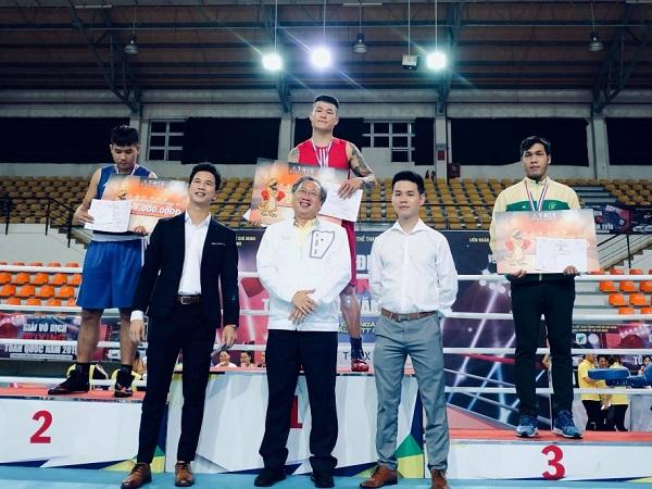 Trương Đình Hoàng tiếp tục trị vì hạng cân 81kg