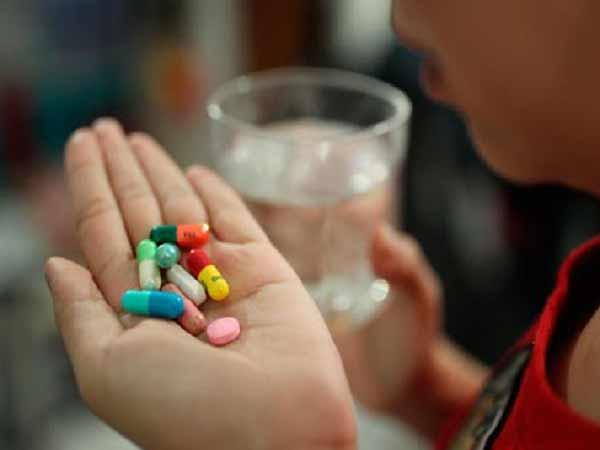 Mơ thấy uống thuốc đánh con gì trúng lớn?