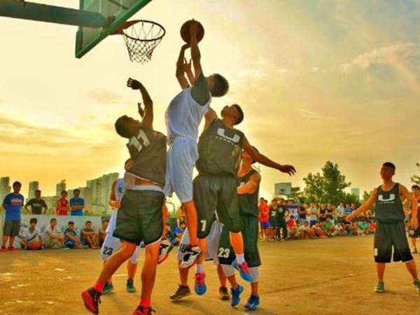 Mơ thấy bóng rổ đánh con gì rước tài lộc vào nhà?