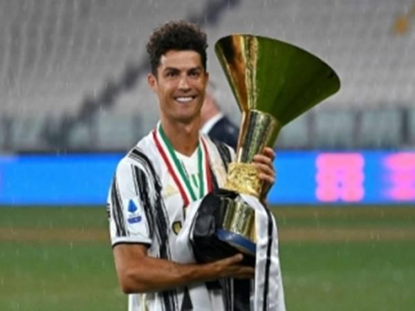Tin bóng đá quốc tế ngày 3/8: Ronaldo ở lại Juventus