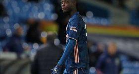 Bóng đá quốc tế sáng 24/11: Pepe được khuyên học tập Van Persie