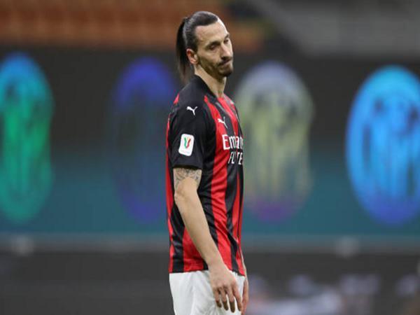 Bóng đá QT 27/1: Ibrahimovic làm gì sau khi hóa 'tội đồ'