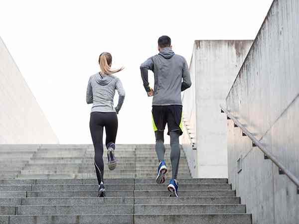 Mơ thấy cầu thang – Giải mã ý nghĩa giấc mơ thấy cầu thang
