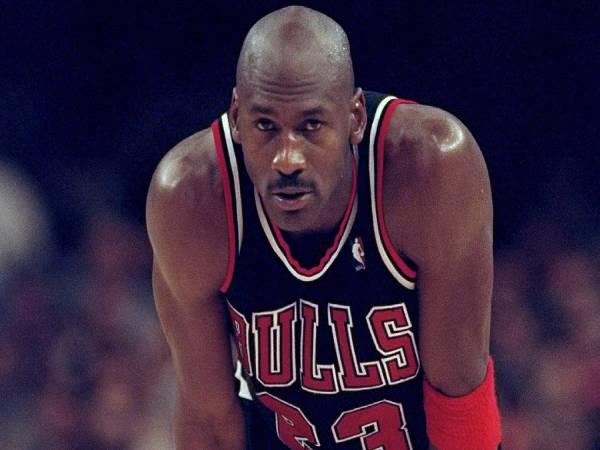 6 cầu thủ bóng rổ nổi tiếng xuất sắc nhất trên thế giới