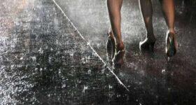 Ngủ mơ thấy trời mưa là điềm hên hay xui ? Đánh số đề con gì ?